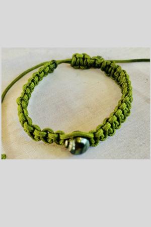 Bracelet Vahine macramé verte perle de Tahiti