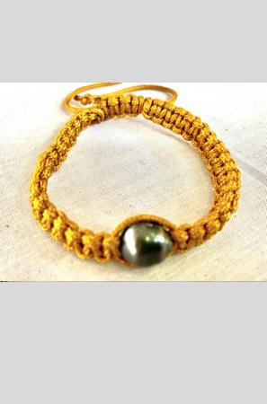 Bracelet Vahine macramé or perle de Tahiti